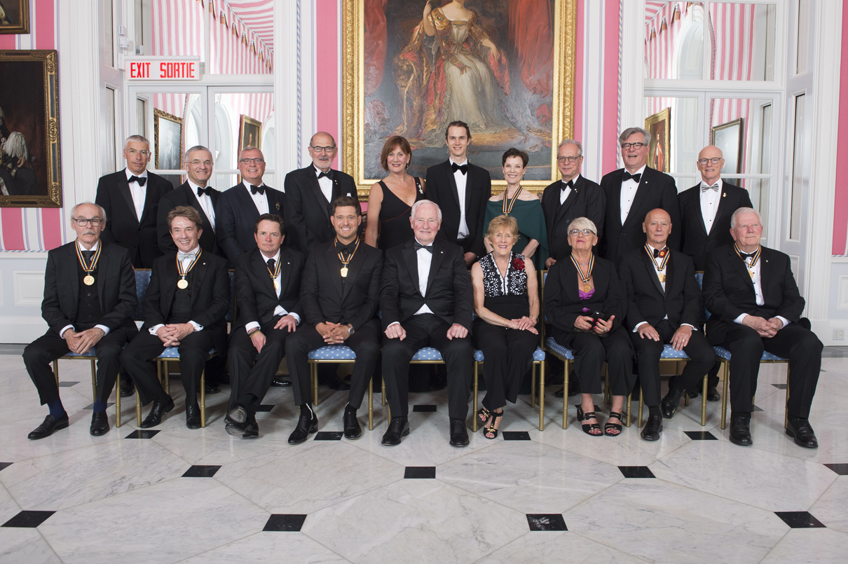 The governor general s foot guards - The Governor General Of Canada With The 2017 Recipients Mentorship Program Pair And The Ggpaaf Board Of Directors At Rideau Hall